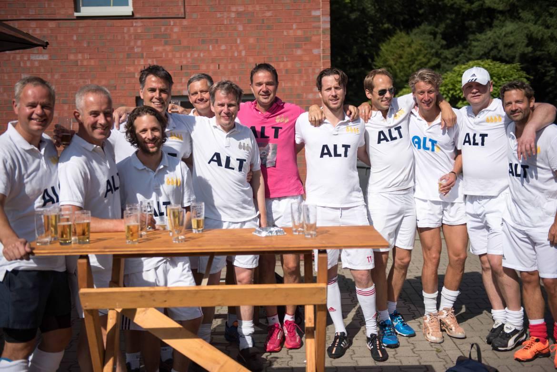 alt_team3.jpg