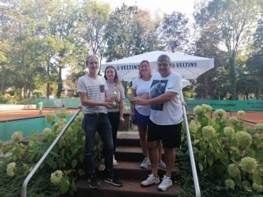Mixed-Clubmeisterschaften im HTC Blau Weiß